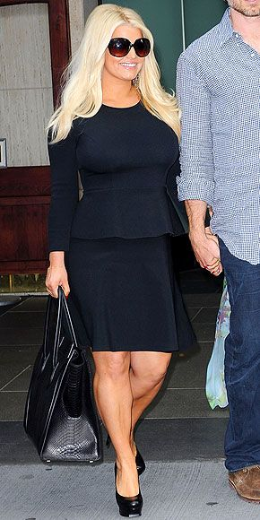 8 Tricky Maternity Trends You Can Wear jessica simpson