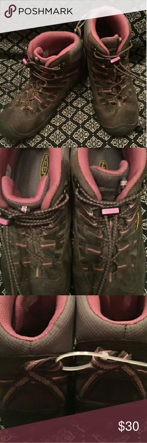 Keen waterproof hiking boots size 6 Very good condition waterproof hiking boots. Extra support adjustable around ankle pulls. Pink and grey modern look. Great boot for rough girl play Keen Shoes Lace Up Boots