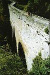 Arco del ponte di Pont d'Aël Aymavilles Italia del Nord