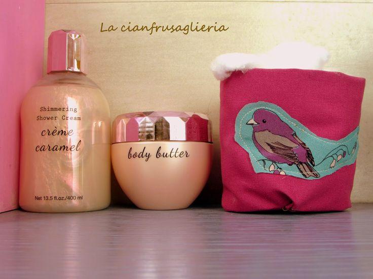La cianfrusaglieria: Think pink: un tocco rosa nel mio bagno http://lacianfrusaglieria.blogspot.it/2015/01/think-pink-un-tocco-rosa-nel-mio-bagno.html