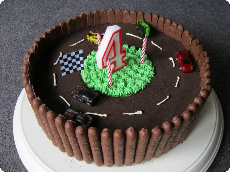 Like the use of Chocolate fingers around the outside for the birthday cake