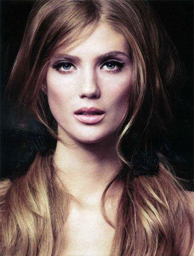 make up: Natural Makeup, Hair Colors, Cat Eye, Wavy Hair, Wings Eyeliner, Haircolor, Long Hair, 60S Style, Lindsay Lullman
