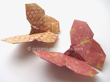 i love this origami butterflys!!! i have them in all my rooms in different colours & they're so easy to fold!