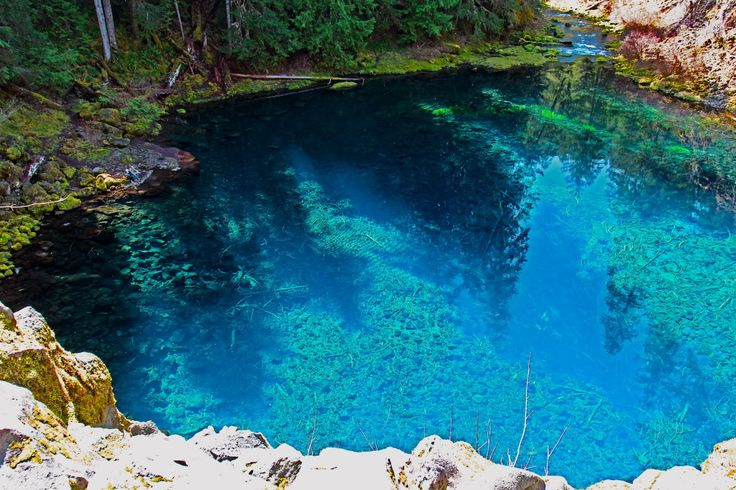 Tamolitch Pool Along The Mckenzie River Trail In The