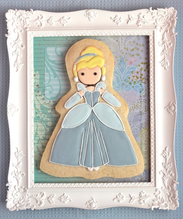 No matter how your heart is grieving, if you keep on believing, the dream that you wish will come true. - Cinderella | Sweetopia: Idea, Sugar Cookies, Cinderella Cookie, Cakes, Cookie Design, Decorated Cookies, Cookie Decorating, Disney
