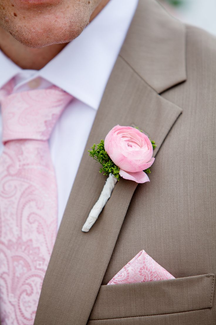#Boutonnieres | #Pink | Photography: C. Baron Photography