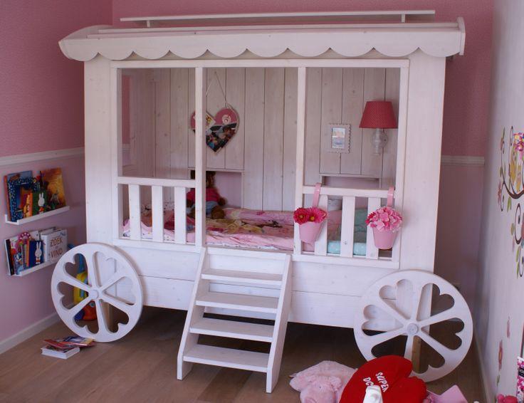 """handmade gipsy meisjes bed, matras 80x200 cm, splendid idea for the girls bedroom, design & production by: """"HANS"""" (www.hansknepper.nl)"""