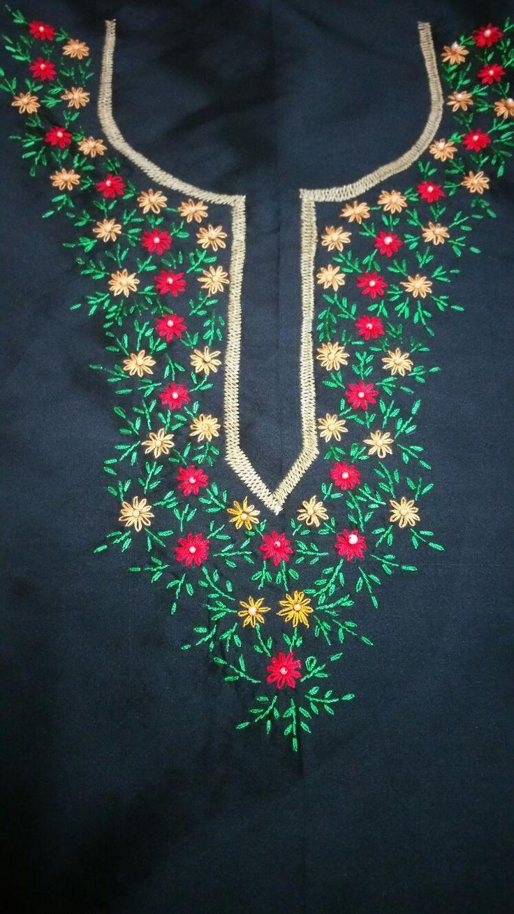 Kurta top with lazy daisy flowers.