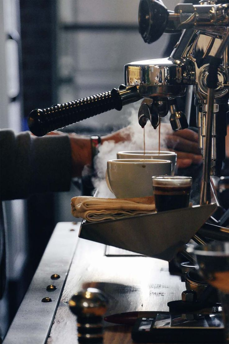Profi-Kaffeemaschine in der Kaffee-Rösterei Schvarz in Düsseldorf