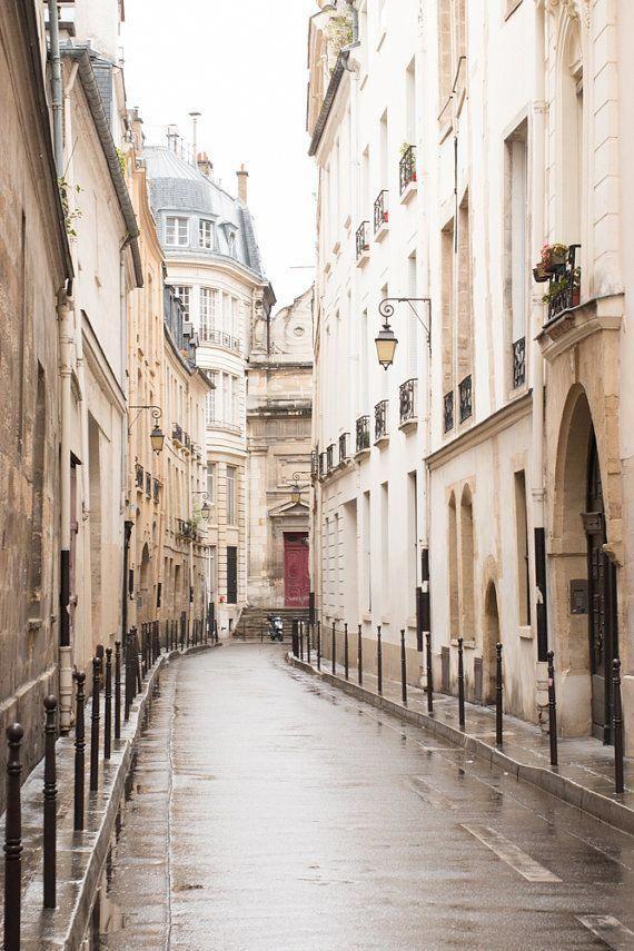 Paris Fotografie, ruhigen Morgen im Marais, St. Paul, sanfte Blau- und Grautöne, französische Deko, Paris Wandkunst, Paris Fotografie drucken
