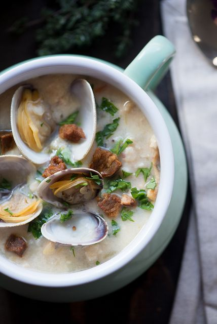 Best Ever New England Clam Chowder www.pineappleandcoconut.com #soup by PineappleAndCoconut, via Flickr