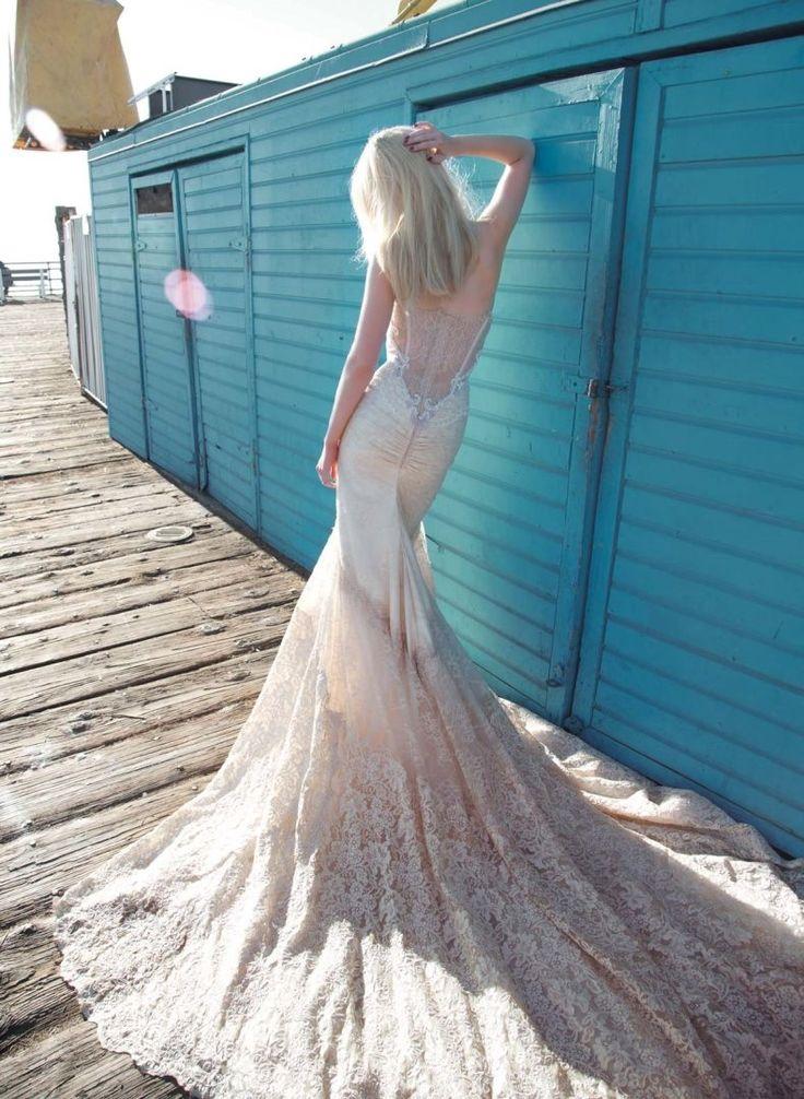 76 best Wedding Dresses images on Pinterest | Wedding frocks ...