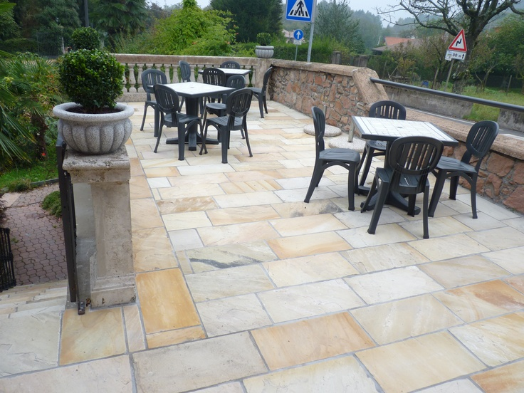 Natural Mint Sandstone Paving Outdoor