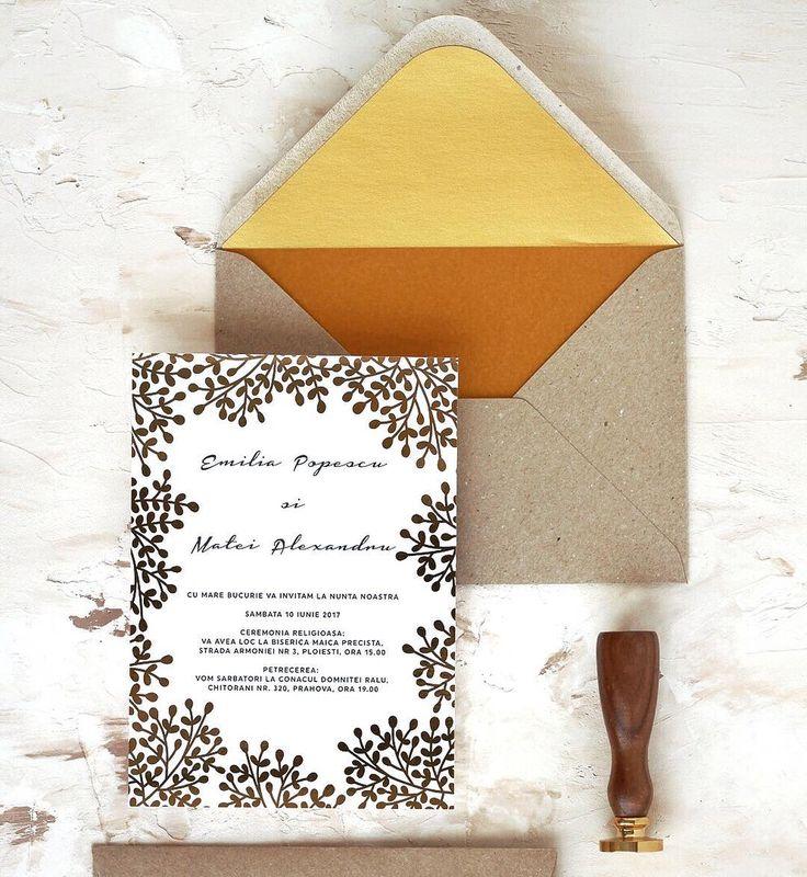 © PAPIRA invitatii de nunta personalizate // Kraft paper and gold foil can work pretty well together—what do you think? // #papiradesign #papirainvitations #invitatiidenunta #invitatiinunta #weddinginvitations
