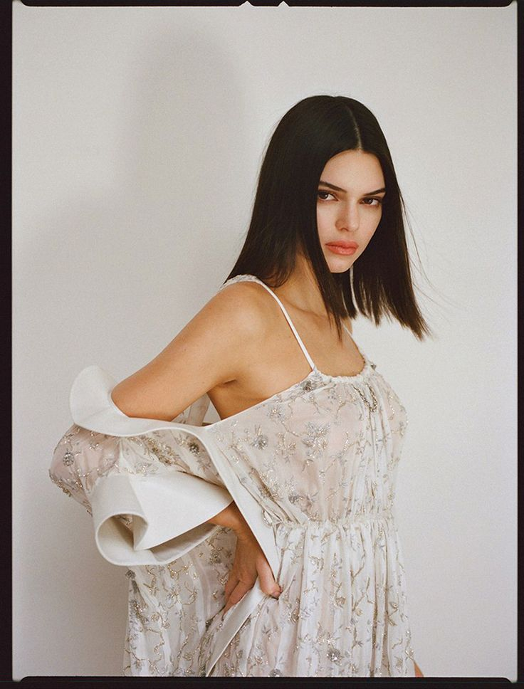 320 best beauty icons kendall jenner images on for Kendall jenner snake tattoo
