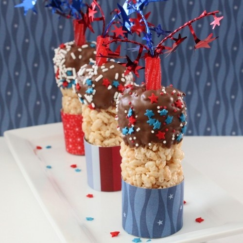 Fun 4th of July Dessert:  These are SO COOL!   And easy too, I mean, Its just like, Rice Krispies and Melted Chocolate. HELLO! FUN!