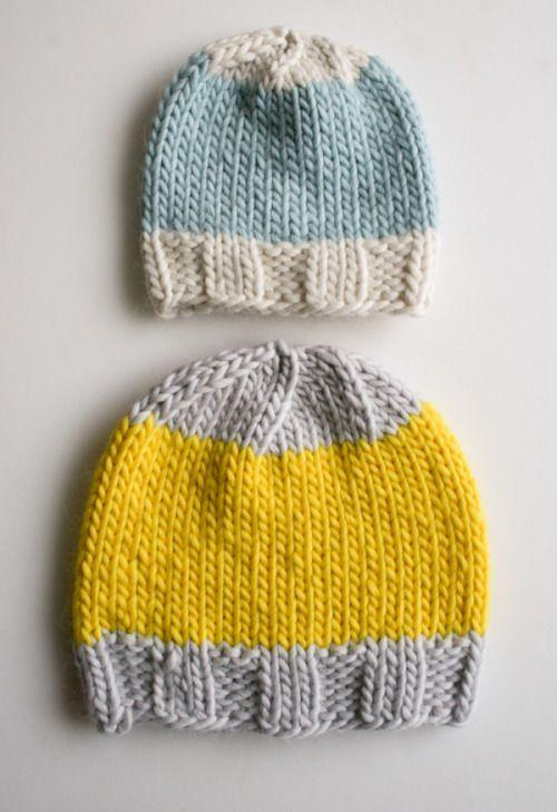 Para bebé y para adulto. Con sólo saber punto derecho, revés y tejer 2 putos juntos. Knit hat pattern