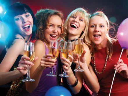 dziewczyny na imprezie - Szukaj w Google