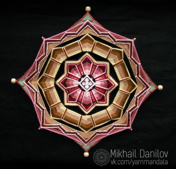Mandala realizado por Mikhail Danilov https://www.facebook.com/mikhail.danilov.9?fref=photo