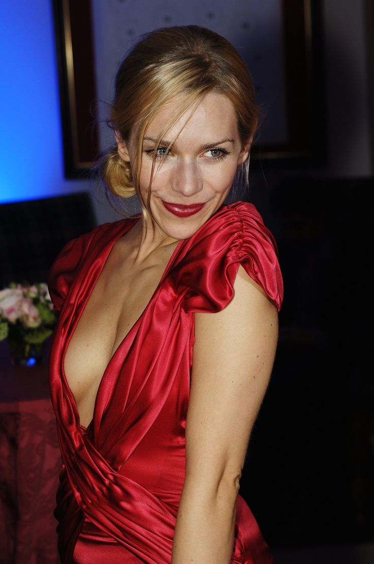 Julia Dietze Nude Photos 75