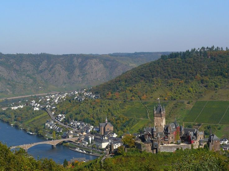 Reichsburg Cochem - Castle in #Germany, the Palatinate, not far from Cochem. At 50 km from Koblenz. For the first time the castle is mentioned in 1051. The castle has been restored and is now the most visited tourist attraction of the Moselle. The castle is well preserved and has Renaissance and Baroque furniture.