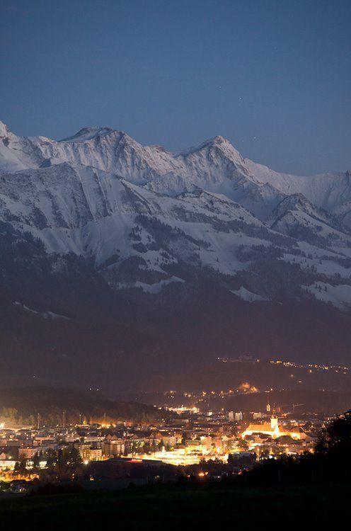 Santiago de Chile arropada por los Andes. ¡No dejes de viajar!