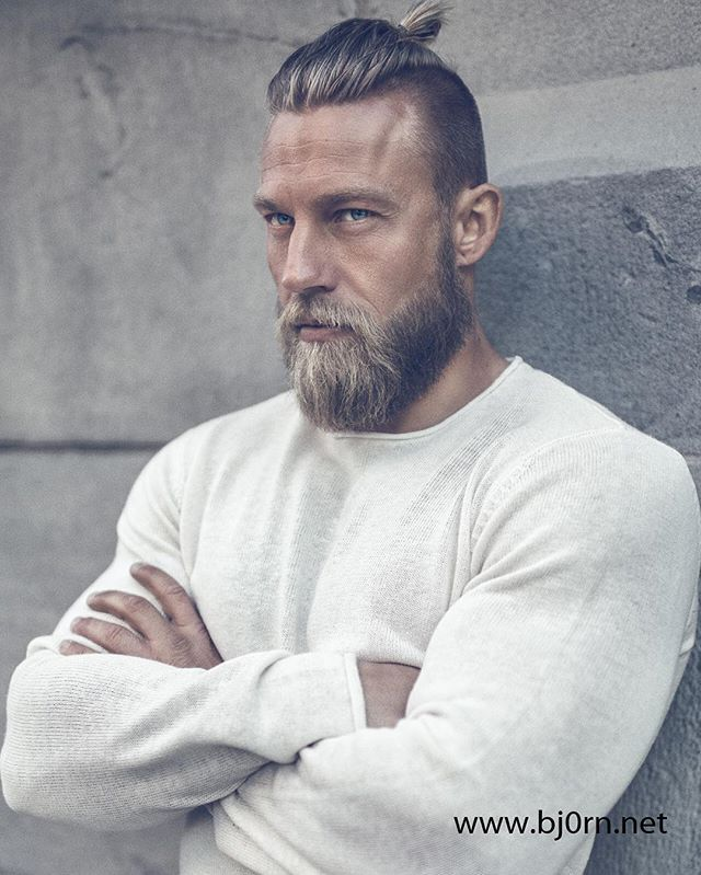 top 25 best viking haircut ideas on pinterest viking beard styles man bun guy and man bun. Black Bedroom Furniture Sets. Home Design Ideas