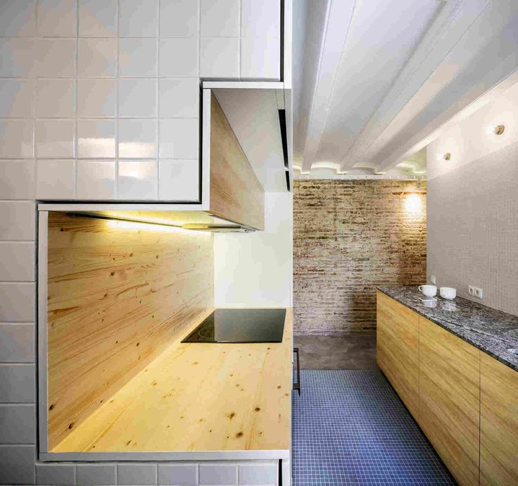 Оригинальное зонирование пространства квартиры в Барселоне