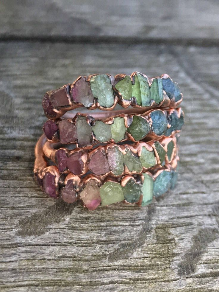 Watermelon tourmaline ring / Stacking ring / Tourmaline ring / Bridesmaids gift / Raw gemstone ring / Gift for her / wife / Engagement ring di ROUGHandPRECIOUS su Etsy https://www.etsy.com/it/listing/513233571/watermelon-tourmaline-ring-stacking-ring