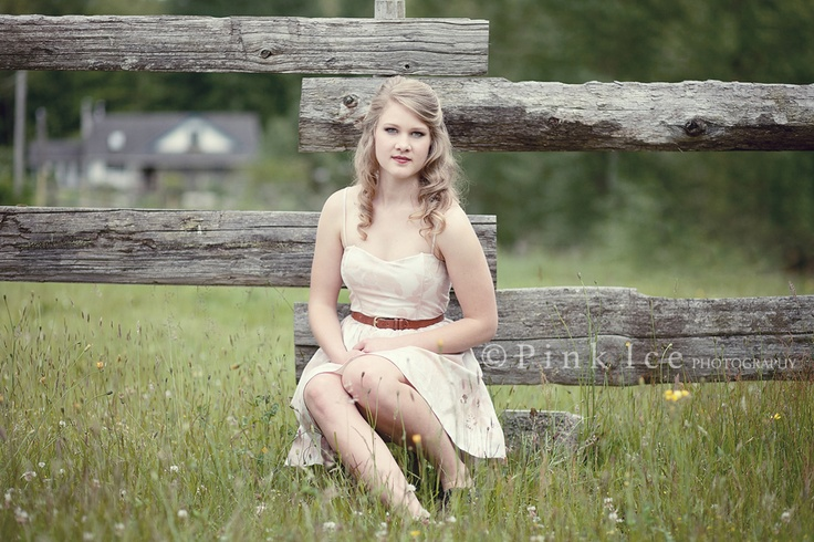 Pink Ice Photography | Powell River Photographer Jennifer Jacques Rustic fence field grad photo