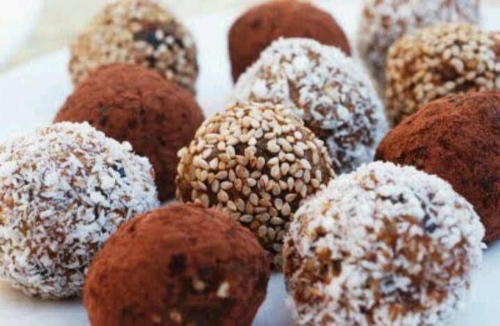Bliss balls made with tahini