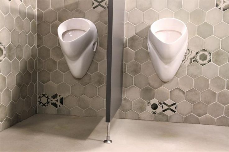Toalety v restauraci Mincovna s designovou cementovou stěrkou Microtopping. / Restrooms at Mincovna restaurant with Microtopping design cement/concrete coating. http://www.bocapraha.cz/cs/reference-detail/93/restaurace-mincovna-praha/