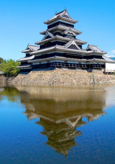 Japanese castle on Fotopedia