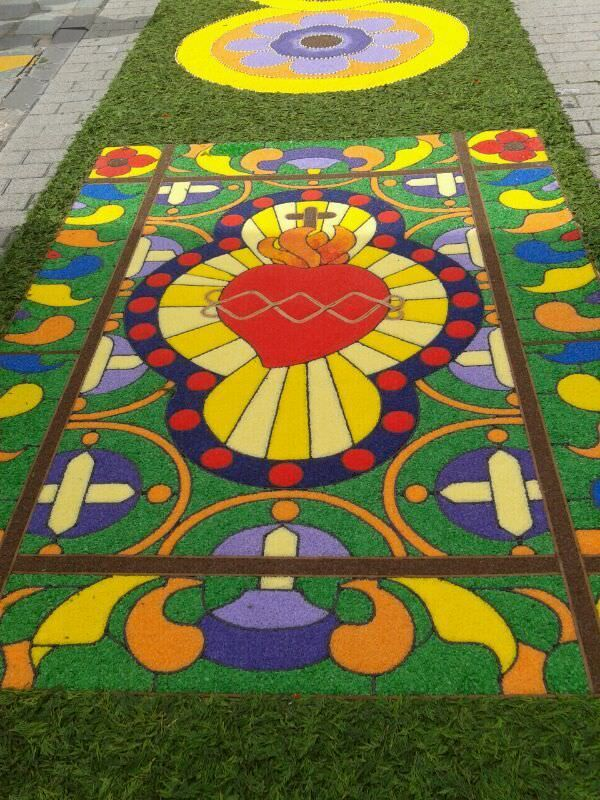 12 best images about corpus cristi on pinterest cunha for El paraiso de las alfombras