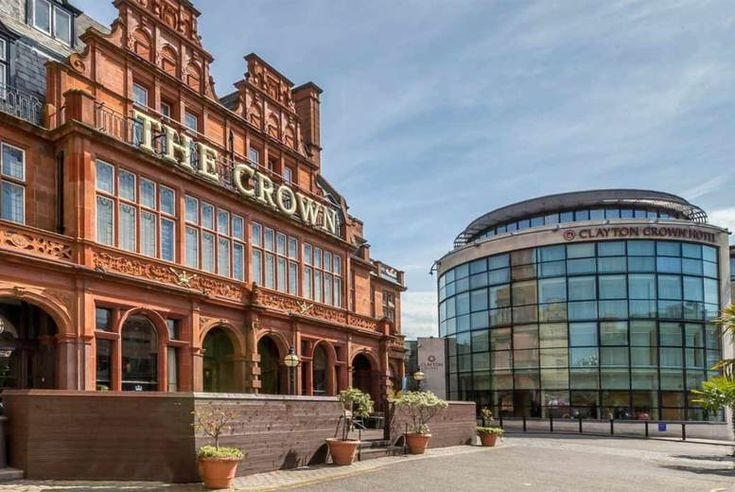 Discount UK Holidays 2017 4* North London Break, Dinner, B'fast & Later Check Out for 2 £99 (at the Clayton Crown Hotel) for a 4* overnight London stay for two people with dinner, breakfast and late check out - save up to 48%