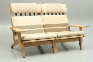 GE375H modular system in oak designed by Hans Jørgen Wegner and produced by Getama, Denmark.