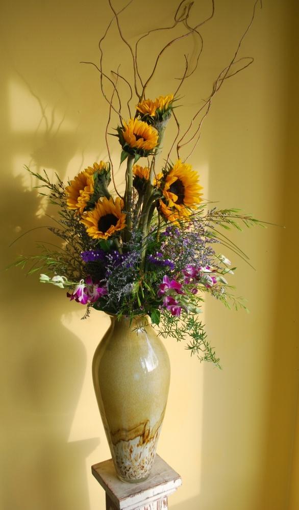 "Made to order: ""a stunning sunflower arrangement.""Floral Ideas, Floral Design, Anytime Flower, Bar Mitzvah, Flower Arrangements, Sunflowers Arrangements, Stunning Sunflowers, Floral Arrangements, Center Piece"