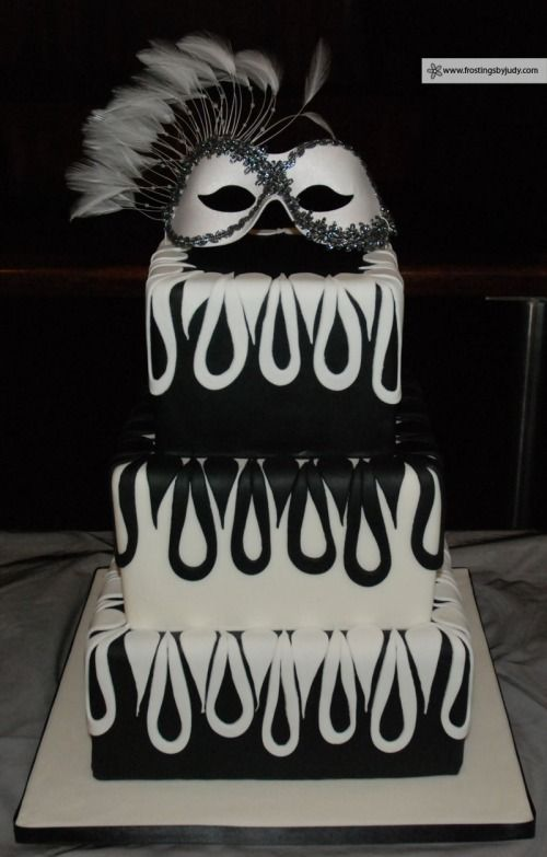 Maskerade Wedding Cake maybe with diffrent colors