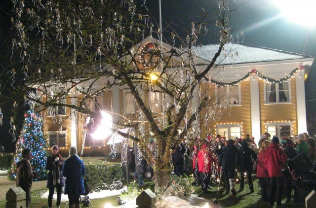 FORT CHRISTMAS: The Wishing Tree In Fort Langley