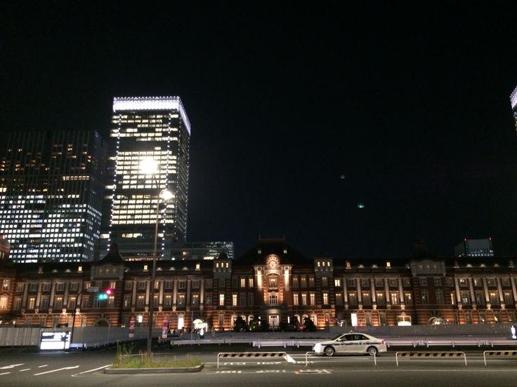 東京駅丸ノ内口。行幸通りより。