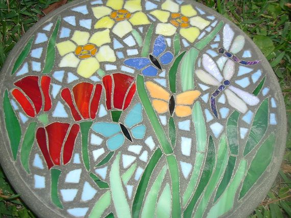 "Garden Delight - Handmade Stained Glass and Concrete Stepping Stone - 14"" Round"