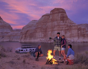Camping at Lake Powell Photo Courtesy of ARAMARK Harrison Lodging
