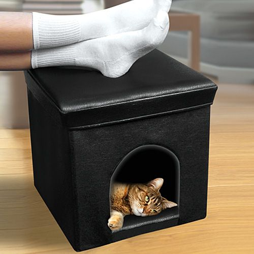 PET HOUSE OTTOMAN I bet I could make this