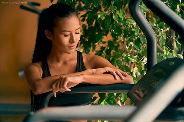 Женщина является отражением своего мужчины. Она прекрасна, если прекрасен ты по отношению к ней. Смотри в свою женщину и понимай, кто ты. © #fitnessgirl#fitness#asianmodel#sportlife#sportgirl#nike#kazakhgirl#italianstyle#workout#traning#palestra#asianfitness#asianfitnessmodel#travel#italy#activelifestyle#longhair#naturalbeauty#personaltrainer#nikeairmax#фитнес#спортивнаяодежда#спортивныедевушки#тренировка Natural Beauty from BEAUT.E