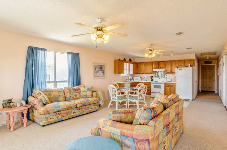 You don't have to cash in that 401K plan to rent a sweet beach house at Gulf Shores or Orange Beach. In fact, you can get a nice house that sleeps 10 for about the same price as a condominium. Don't believe it? Then check out these 20 beach houses you can rent on a budget in Pleasure Island.