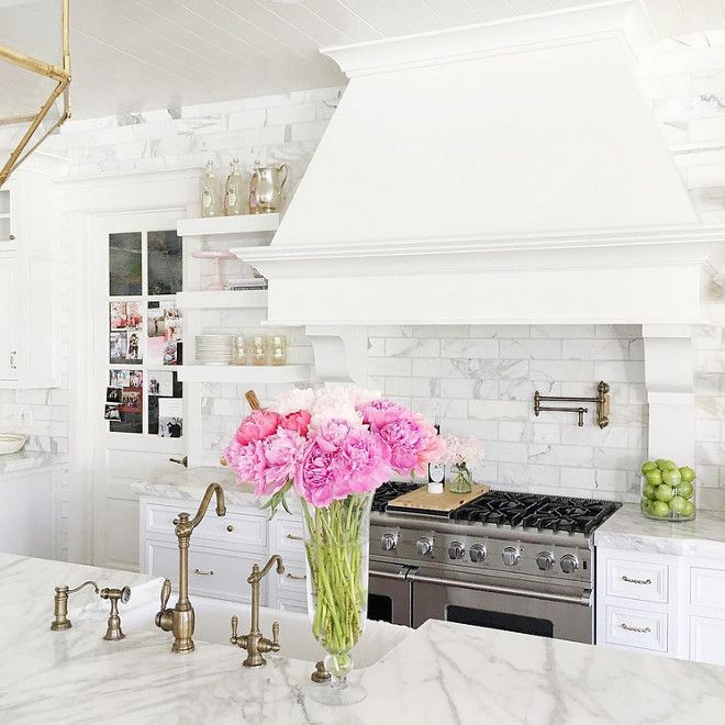 Ideas on how to decorate and bring color to a white kitchen. |  Rachel Parcell
