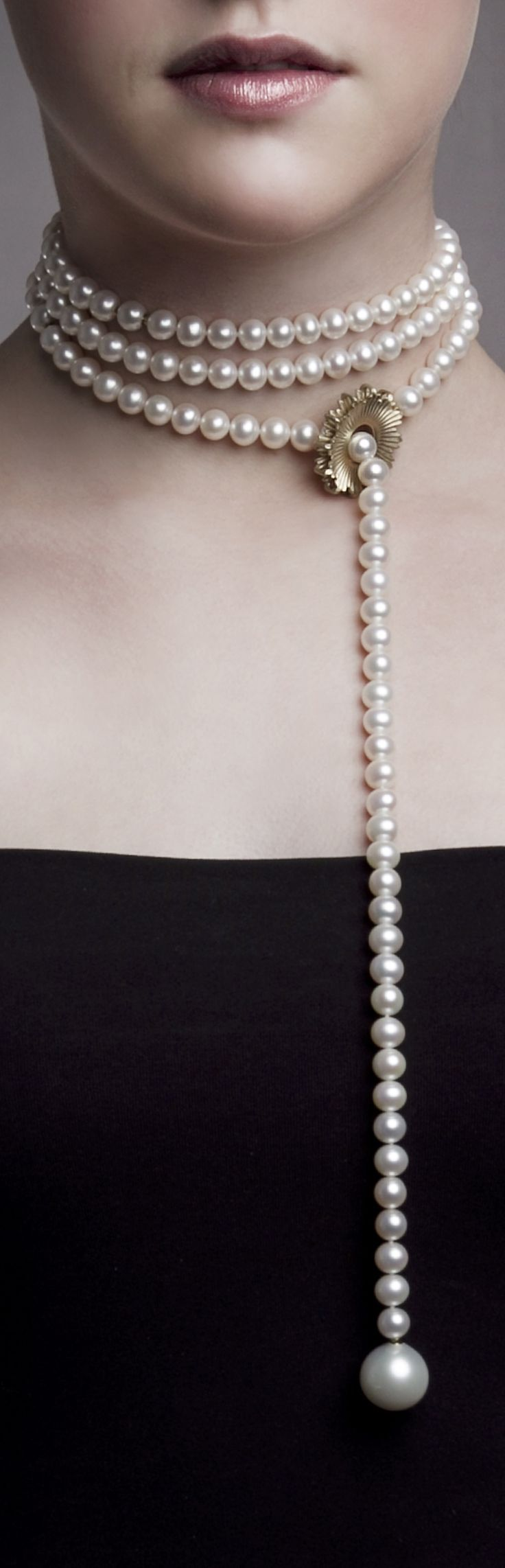 "Necklace | Emquies-Holstein. ""Mega Chic collection"".  Freshwater cultured pearls with 14k gold"