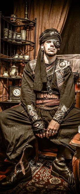 Heyk of Steampunk France. I don't know why this looks really cool lol