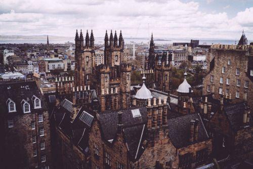magic-of-eternity:  Edinburgh, Scotland