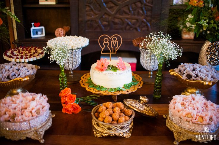 Photo - Fernando Monteiro  Cake - @pauline_chemin  Cake toppers - @Studio Creme Decor - @Thábata Zanotto